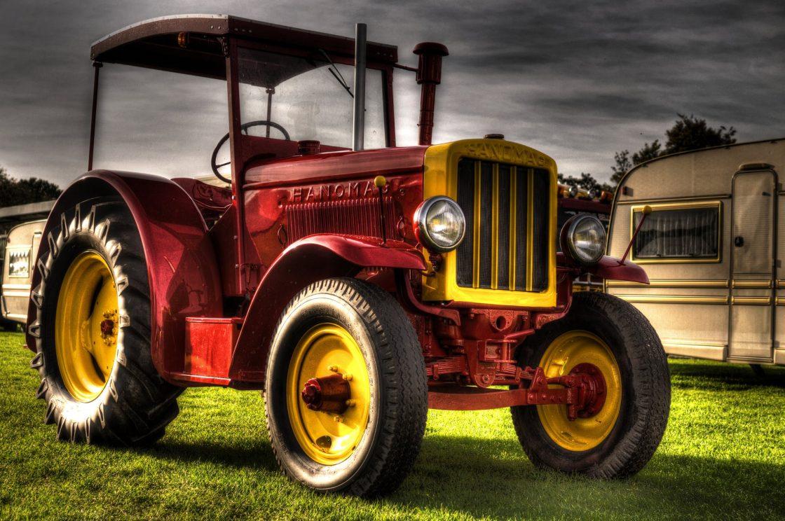 Traktor på landet